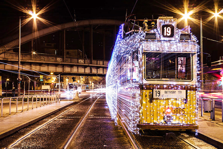 budapest-christmas-tram-3