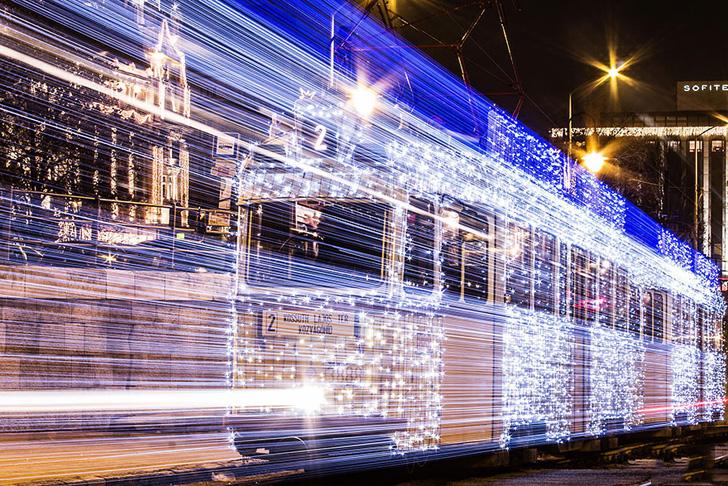 budapest-christmas-tram-6