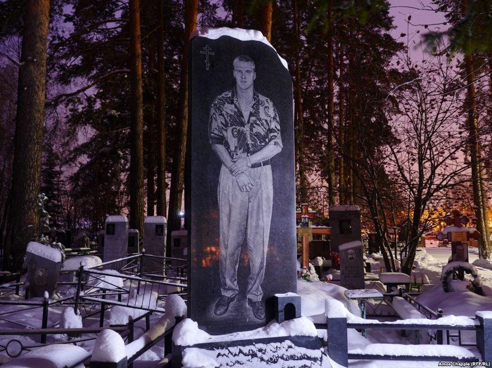 gangster-cemetery-yekaterinburg-102