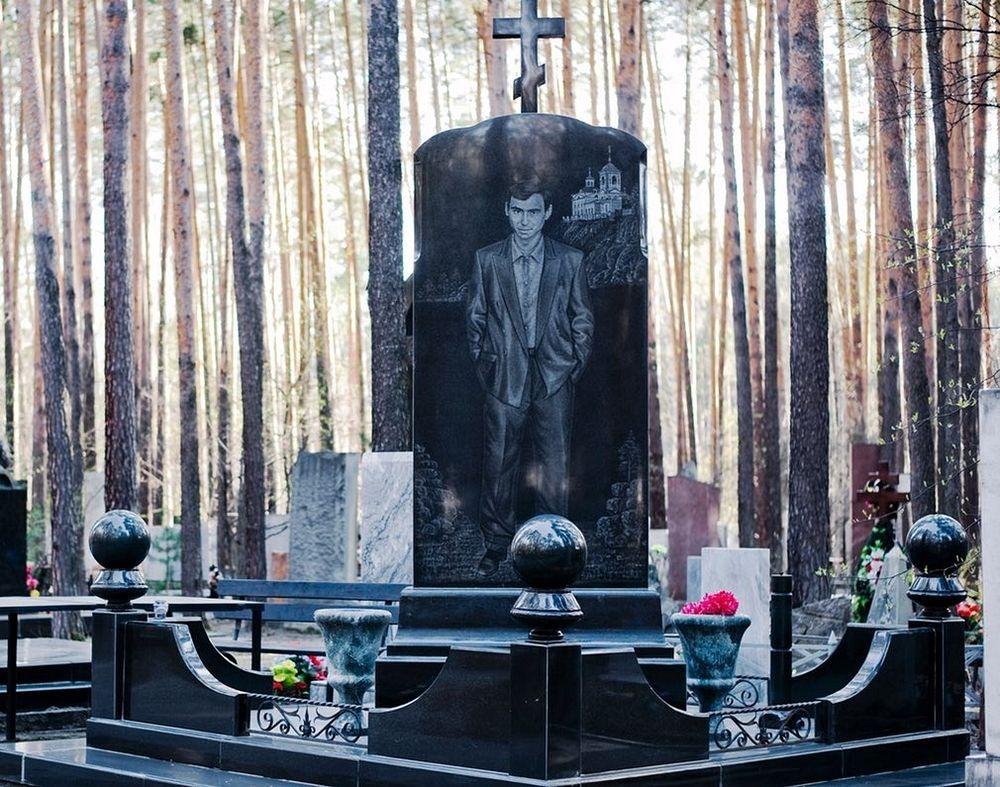 gangster-cemetery-yekaterinburg-132