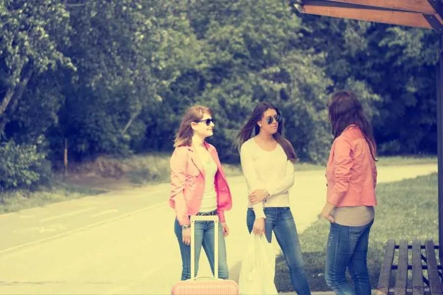 women travelling