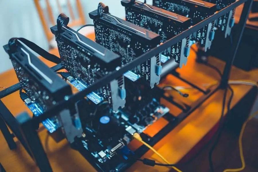 Making Money Online While Traveling - Crypto Mining