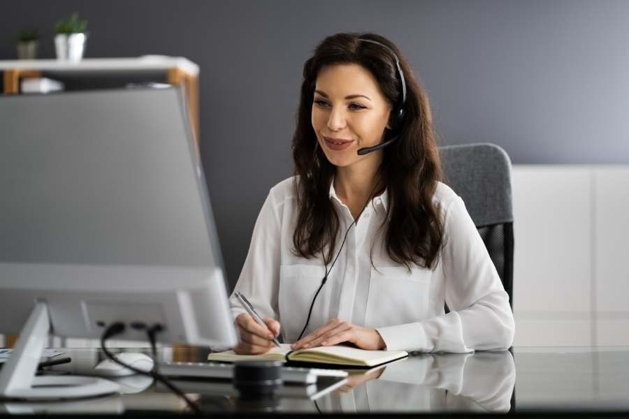 Making Money Online While Traveling - Virtual assistant