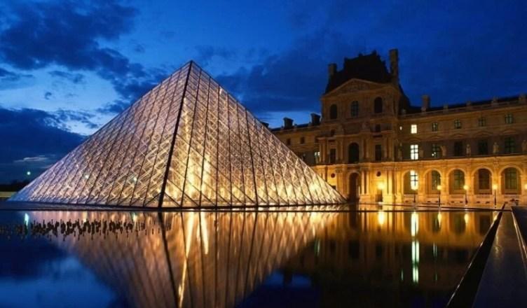 tur virtual muzeul luvru