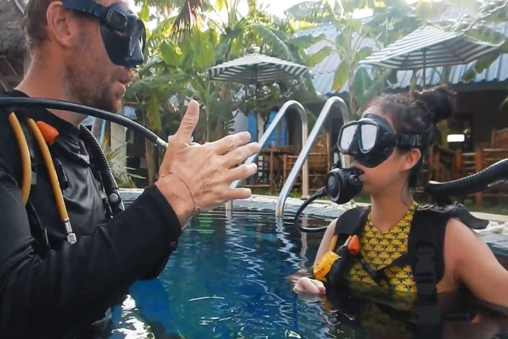 padi open water scuba certification in thailand