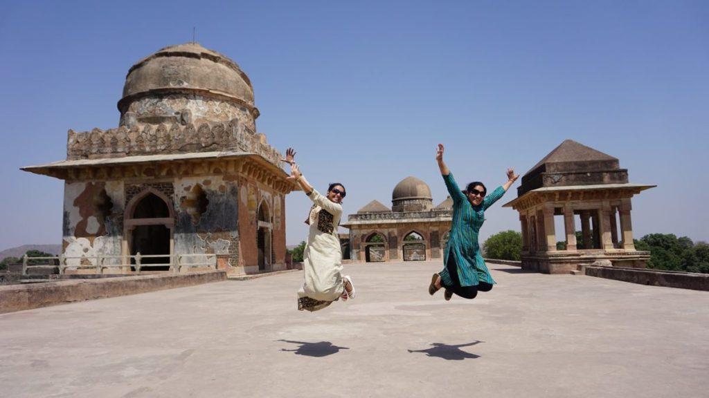 jahaz mahal local women