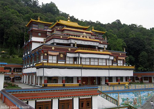 Buddhist Temple in Sikkim - India pied-a-terre blog