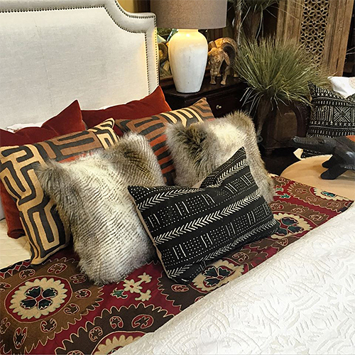 Bed Styling at Tierra del Lagarto in Scottsdale