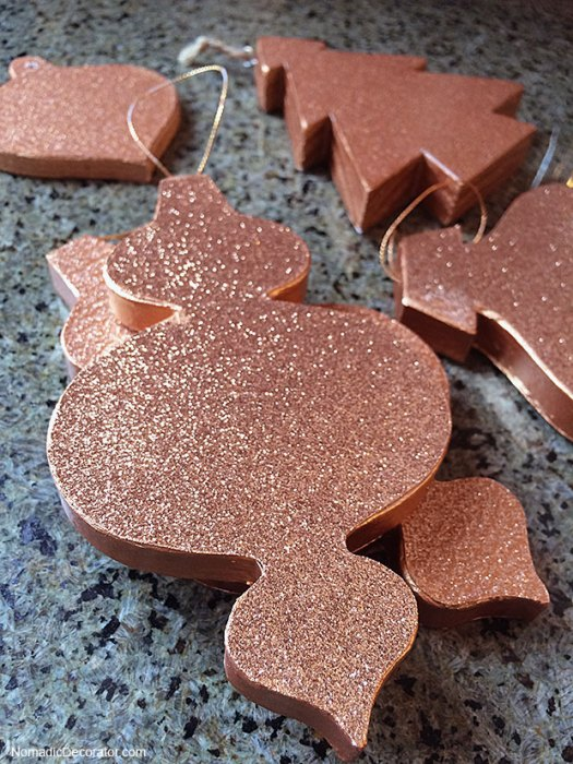 No Mess Glitter Christmas Tree Ornaments