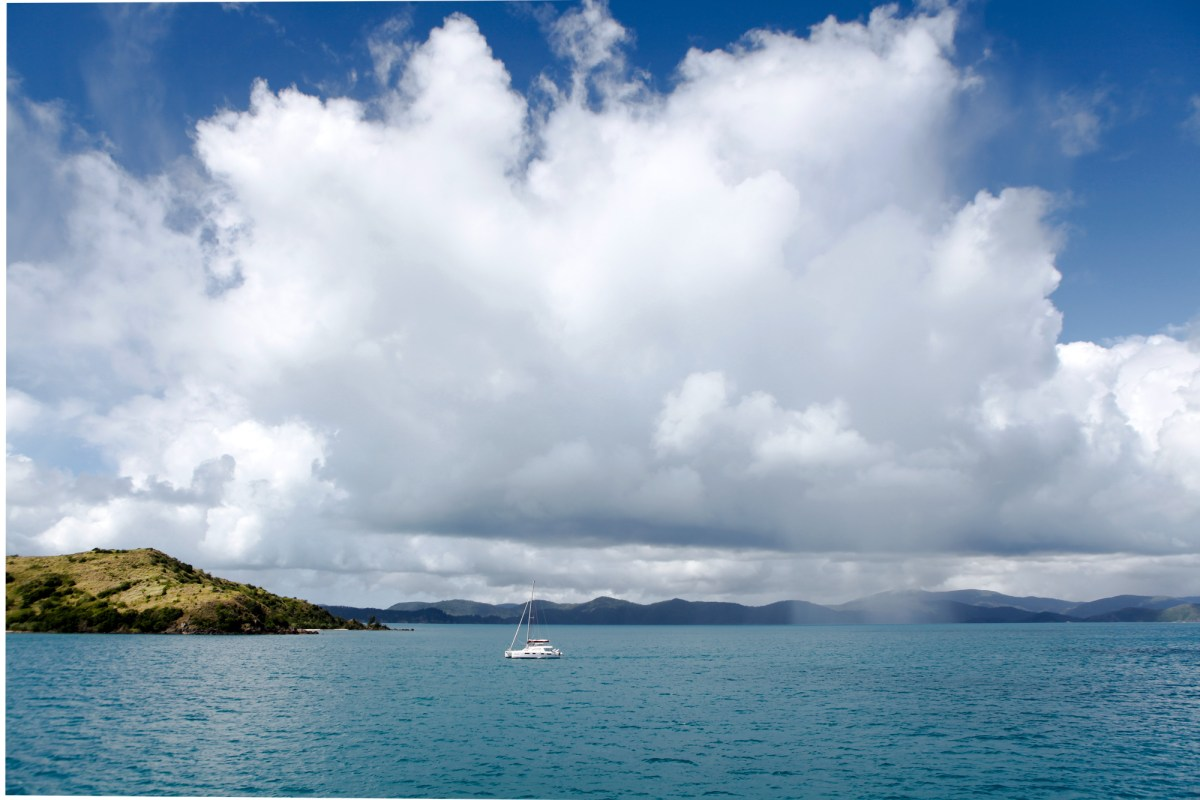 Cruise Whitsundays and Great Barrier Reef