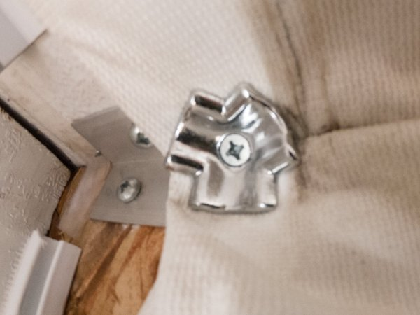 Aluminum corner brackets