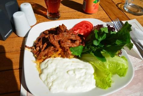 Çökertme at Sünger Pizza in Bodrum, Turkey