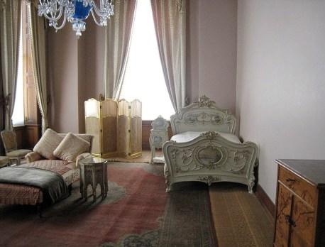 Sultan's bedroom - photo © 2007 by Anton Lefterov at Beylerbeyi Sarayı in Beylerbeyi, Istanbul, Turkey