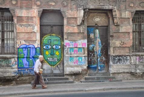 Graffiti on Calle Compañía de Jesús in Barrio Yungay, Santiago de Chile