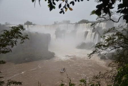 Iguana Falls at Parque Nacional Iguazú, Argentina