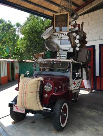 Recuca overloaded jeep