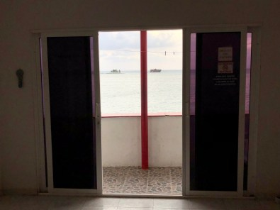Sliding doors at Rocky Cay Bay in San Andrés, Colombia