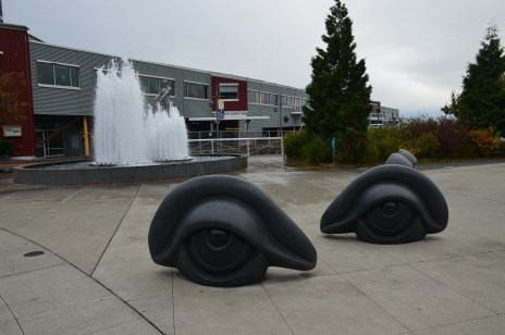 Father and Son(background) and Eye Benches I, II and III(foreground), both byLouise Bourgeois at Olympic Sculpture Park in Seattle, Washington