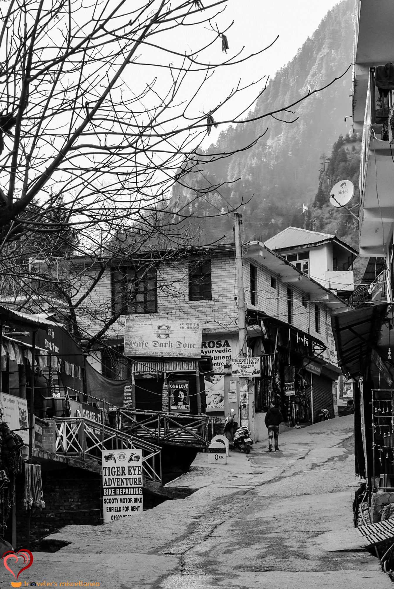 Manu Temple Road BW