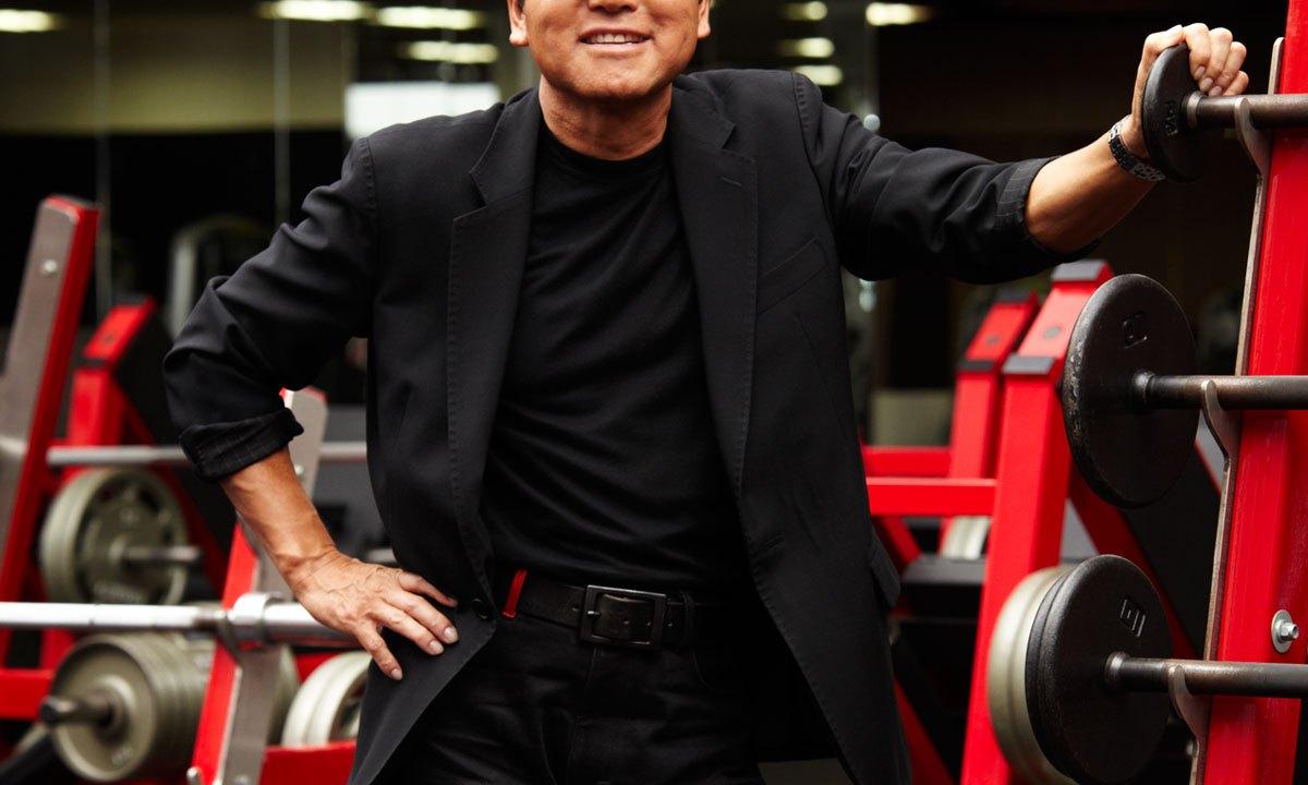 ケビン山崎の顔写真