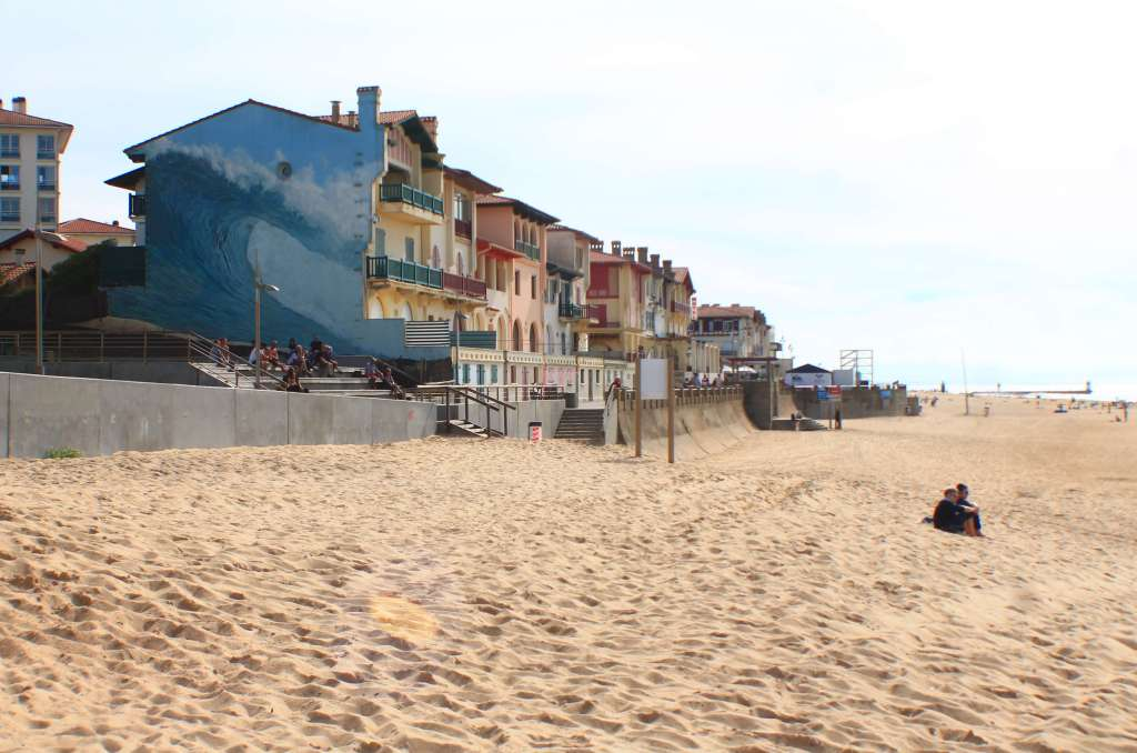 Reason to Visit Hossegor, France- cute beach town