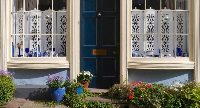 Window dressing Crickhowell