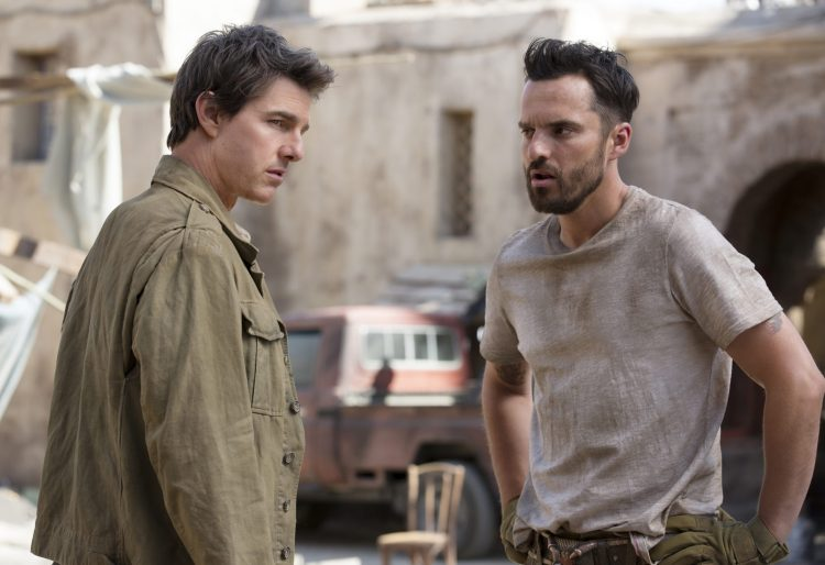Jake-Johnson-Tom-Cruise-The-Mummy