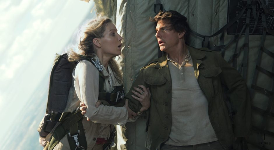 Tom-Cruise-Annabelle-Wallis-The-Mummy