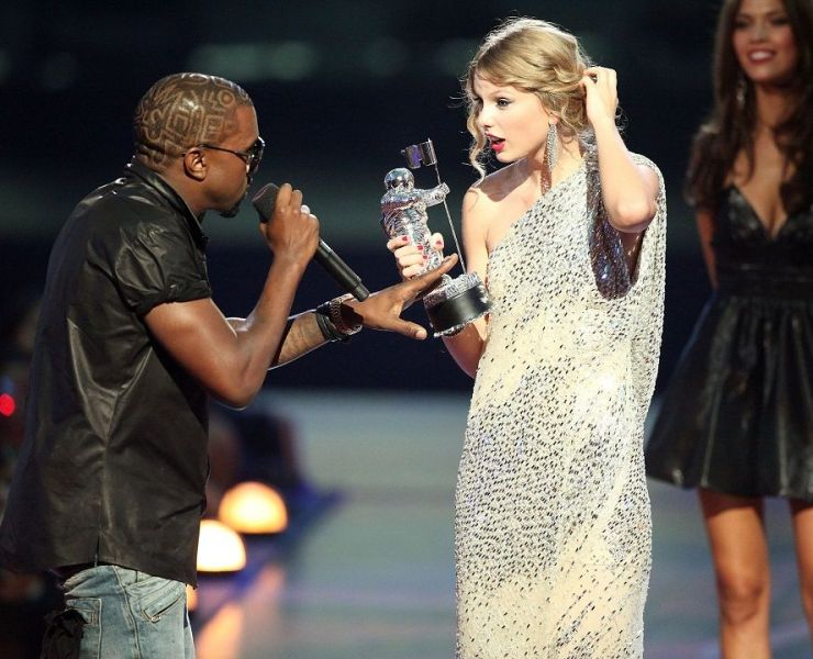 Taylor Swift and Kanye West 2009 VMAs incident