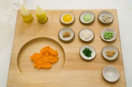 Tartare with rye toast and condiments - 2012