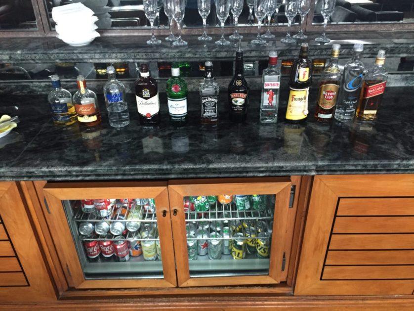 Open pour bar, Santiago de Chile Admiral's club