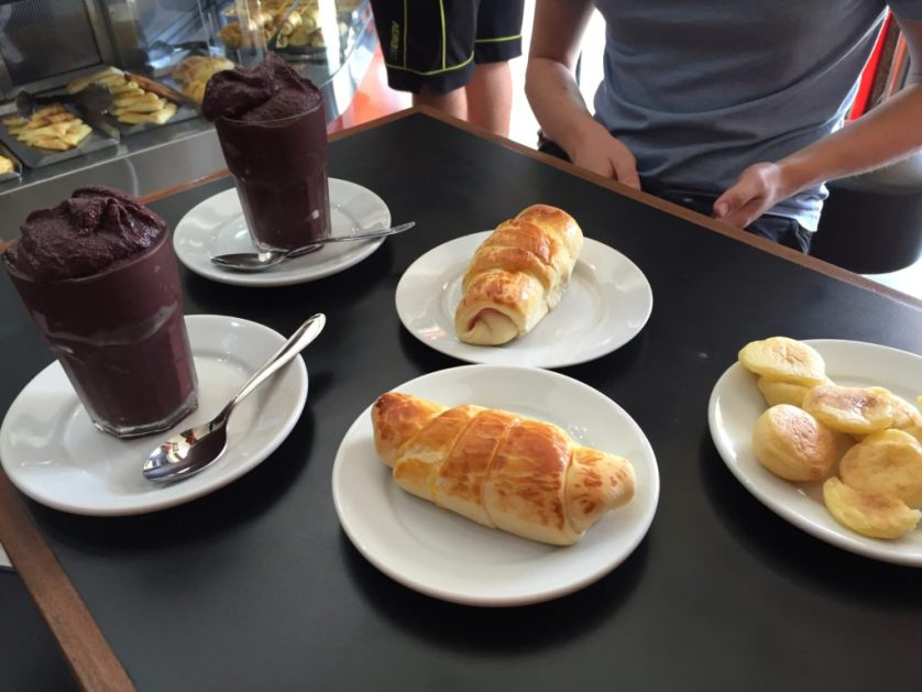 Presunto e queijo (ham and cheese) and açai :)