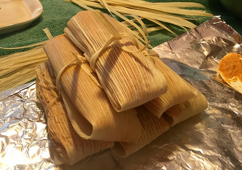 how to steam tamales