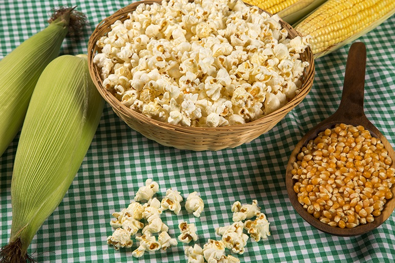 The Best Popcorn Kernels Buying Guide That Will Make You a Popcorn Whiz!