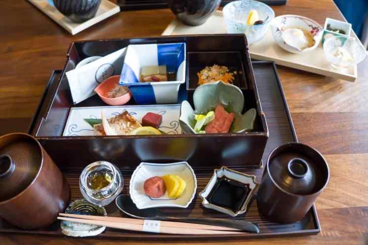 AOMI朝食セットメニュー