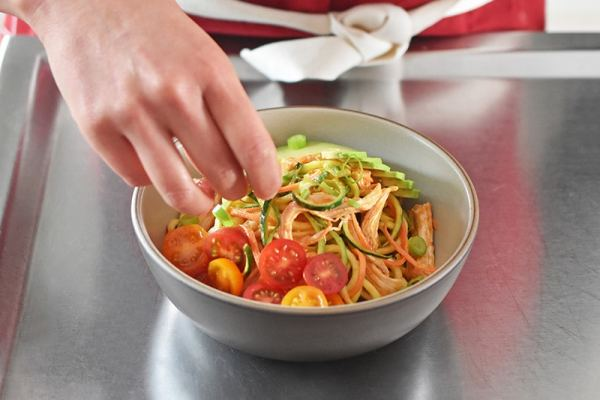 Spicy Thai Chicken Zoodle Salad by Michelle Tam https://nomnompaleo.com