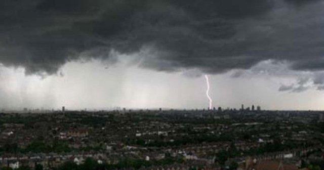 cuaca Kaltim Waspada Dampak Cuaca Ekstrem