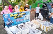 Haji Sasa Bagikan 1 Ton Ikan untuk Warga Tenggarong dan Samarinda