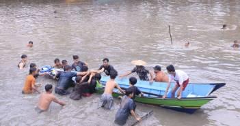 Hujan Deras, 2 Bocah Tenggelam di Sungai Karang Mumus