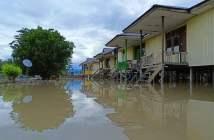 sungai mahakam meluap