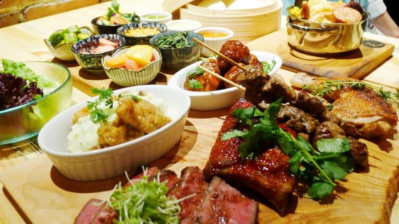 Gyoza bar vancouver bao boards aburi restaurants new for Bar food vancouver
