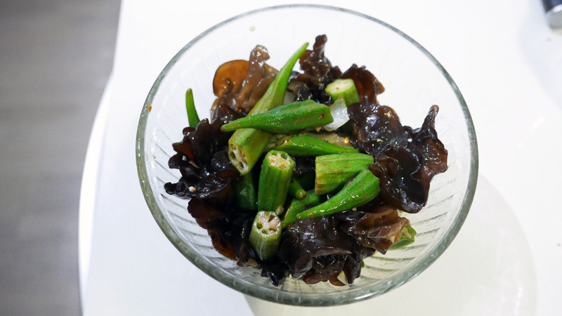 STIR FRY OKRA BLACK FUNGUS RECIPE CHINESE FOOD Nomss.com Delicious Food Photography Healthy Travel Lifestyle