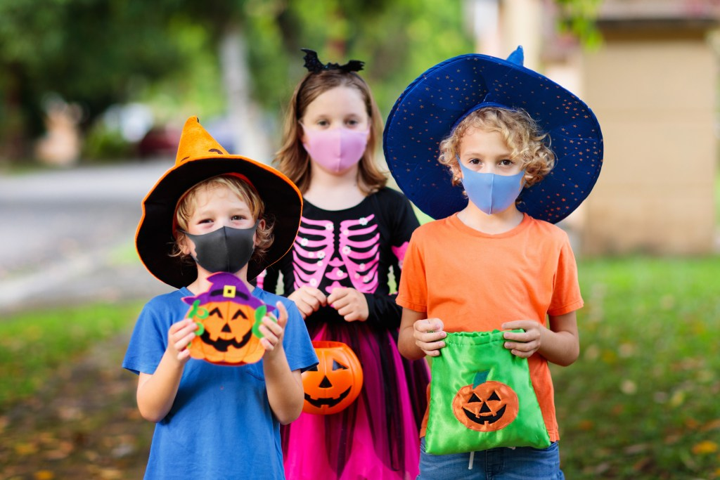 Trick-or-Treating With a Twist of Social Distancing • Nonahood News