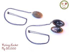 Kalung locket vintage yang cantik, sempurna untuk koordinasi lolita