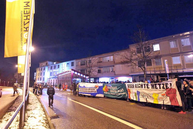 Kundgebung am Hotel Hasenmayer