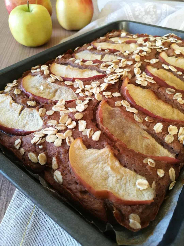 Torta di mele, carruba e nocciole: Ricetta - Non Chiamatela Dieta