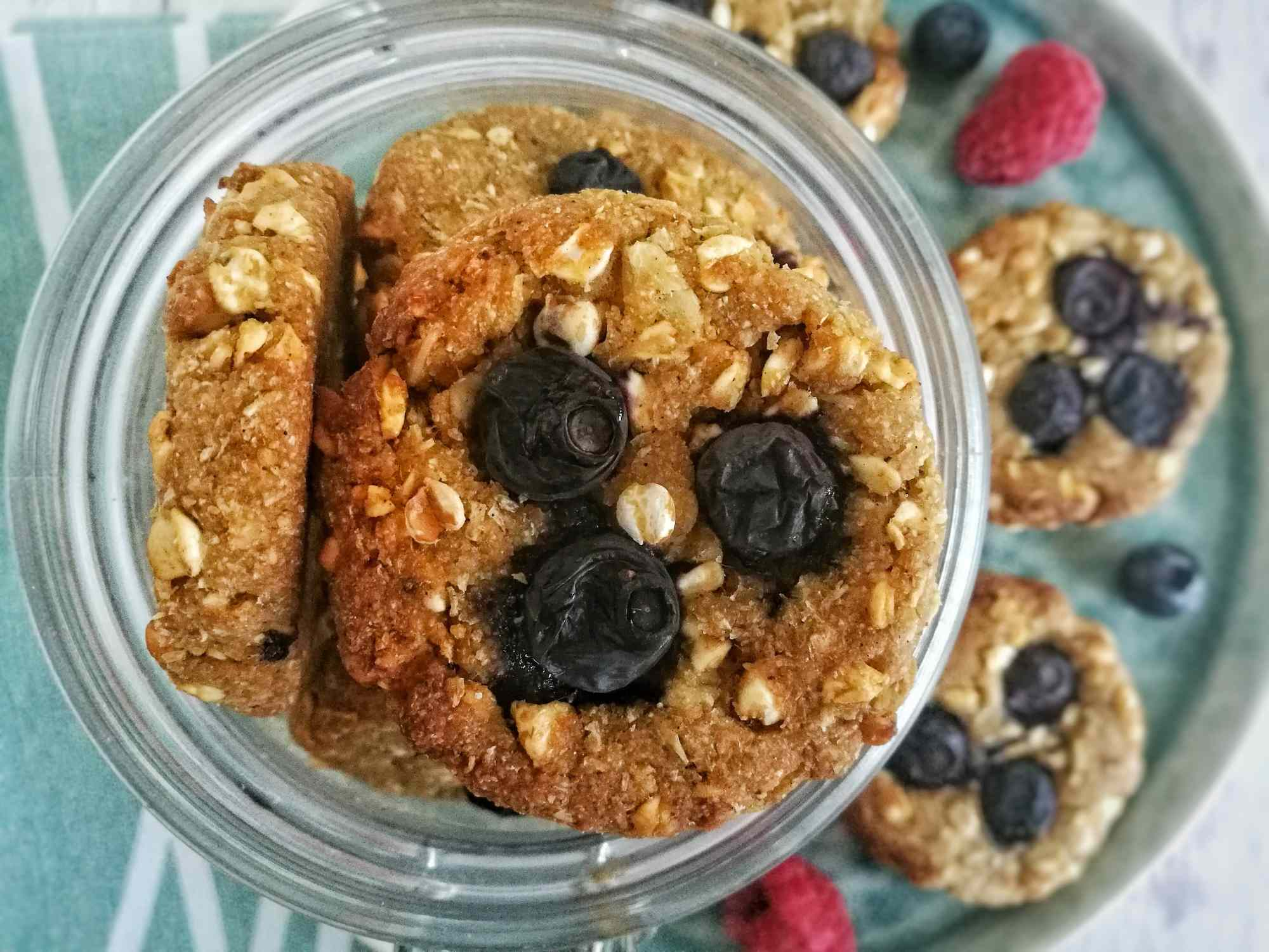 Biscotti di grano saraceno soffiato, fiocchi d'avena ed acqua di cocco: Ingredienti - Non Chiamatela Dieta