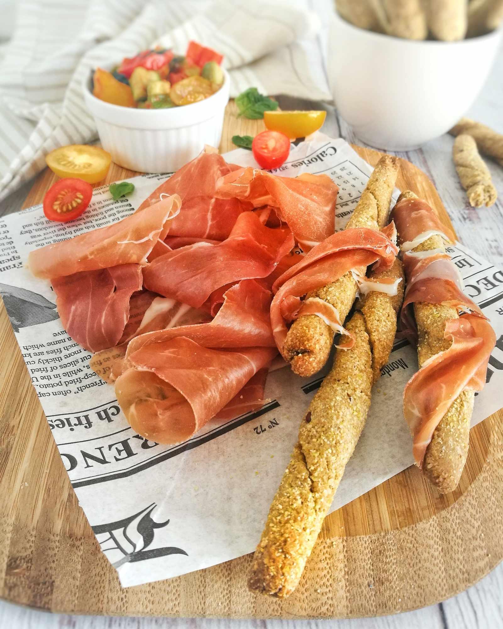 Ricetta Grissini di mais, Ratatouille di verdure estive e Prosciutto di San Daniele DOP - Non Chiamatela Dieta