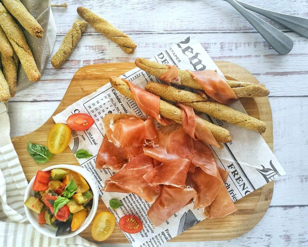 Grissini di mais, Ratatouille di verdure estive e Prosciutto di San Daniele DOP - Non Chiamatela Dieta