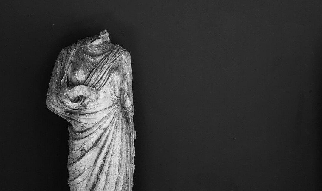 Among Dim Shapes: Reading Sappho in Quarantine